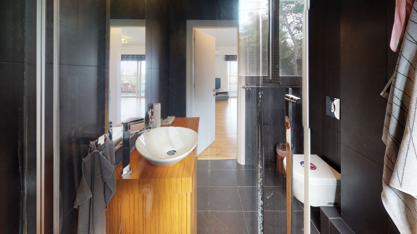 Amenity-A0007-Bathroom