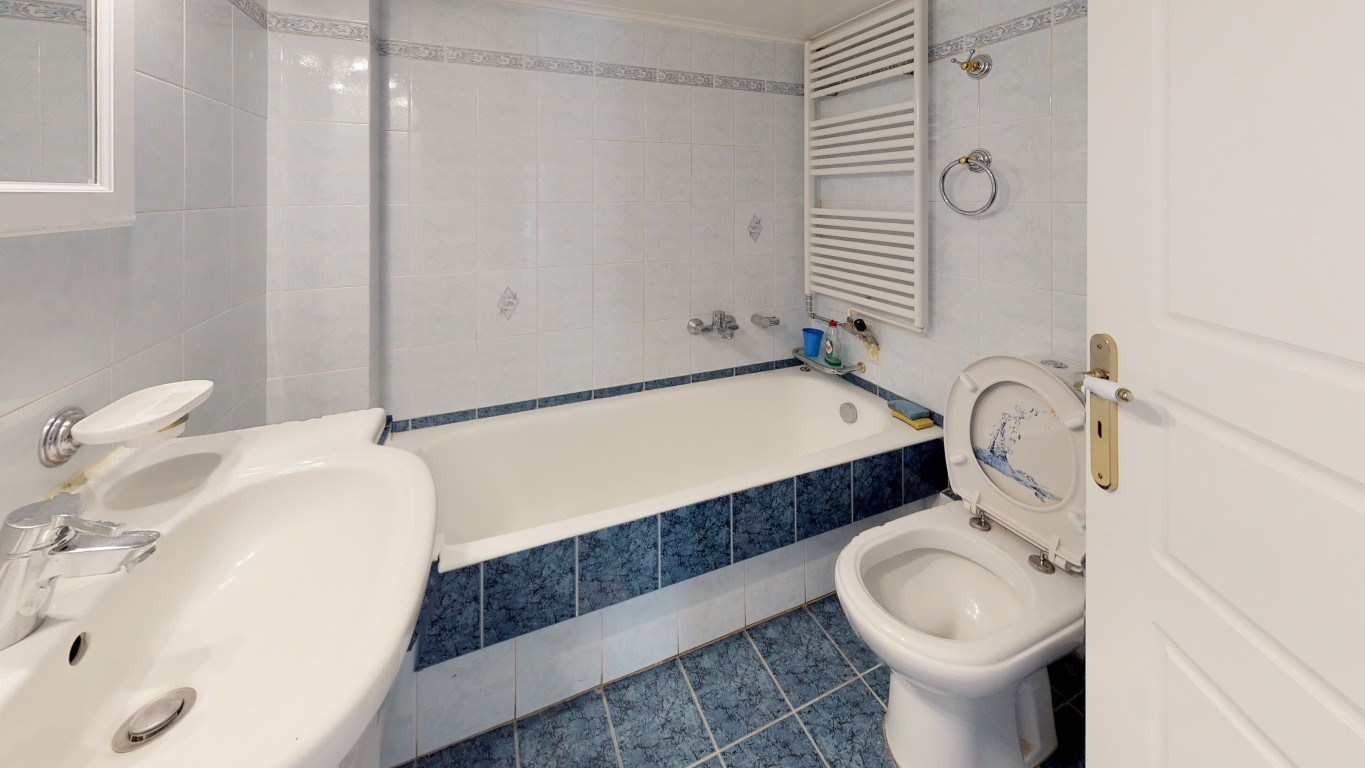 VRVIEW-A0008-Bathroom