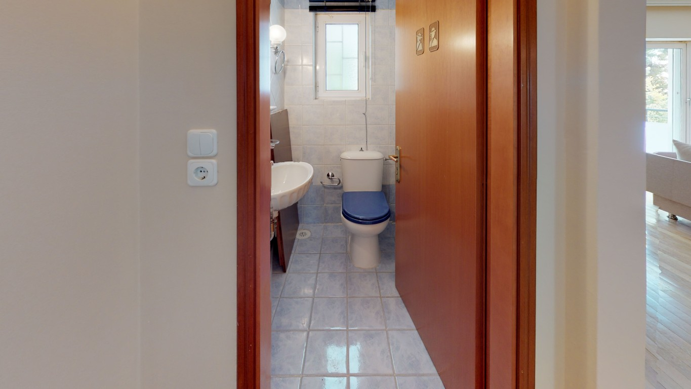VRVIEW-A0009-Bathroom-