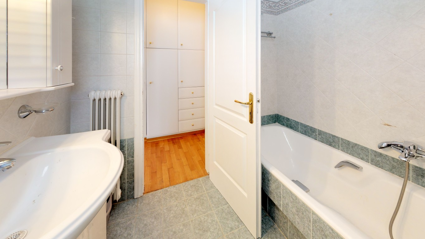 VRVIEW-A0009-Bathroom